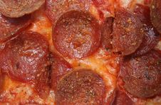 Free Closeup Of Pepperoni Pizza Royalty Free Stock Images - 2572329