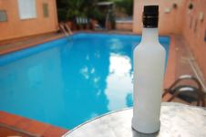 Free A Bottle Of Alcohol Royalty Free Stock Photo - 2573025