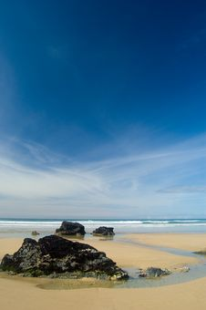 Free Lonely Rocks And Seascape Stock Images - 2573704