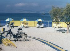 Free Cycle To The Beach Stock Photo - 2574860