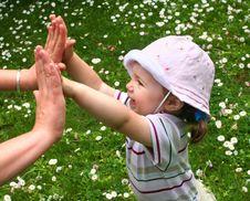 Free Little Girl Royalty Free Stock Photos - 2577568