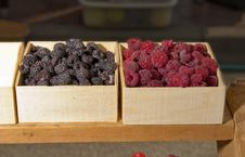 Free Raspberries In Small Baskets For Sale Royalty Free Stock Image - 25709736