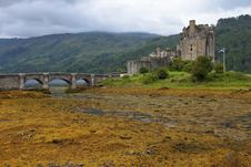 Free Eilean Donan Castle Royalty Free Stock Images - 25713399