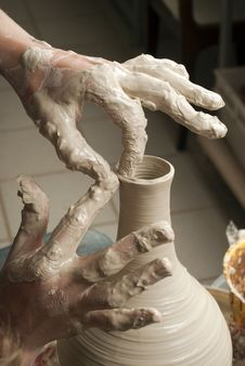 Free Hands Of A Potter, Creating An Earthen Jar Royalty Free Stock Images - 25716039