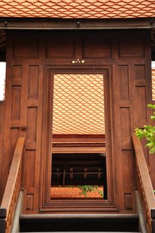 Free Ancient Thai Style Doorway Royalty Free Stock Image - 25716876