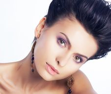 Free Natural Beauty Portrat Of Young Woman Face Stock Photography - 25719182