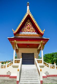 Free Thai Temple In Blue Sky Stock Photo - 25721410