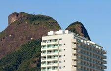 Free Modern Building In Rio De Janeiro Royalty Free Stock Photos - 25744028