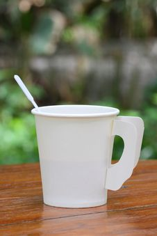 Free White Paper Cup Royalty Free Stock Photography - 25746887