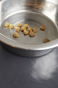 Free Kibble Dog Or Cat Food In Bowl Stock Photos - 25749773