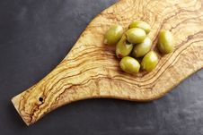 Free Green Olives Royalty Free Stock Photos - 25750118