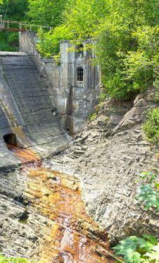 Free Abandoned Power Dam Stock Photography - 25757562