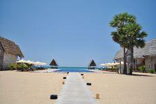 Free Tropical Holiday Resort Royalty Free Stock Photo - 25759275