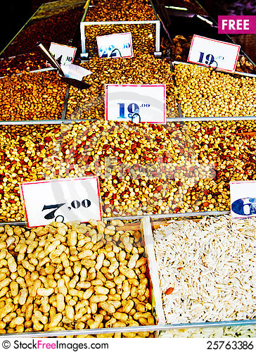 Free Raw Nuts Royalty Free Stock Image - 25763386