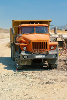Free Powerful Orange Truck Stock Photography - 25781212