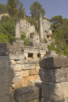 Free Glanum Near Of Saint-Rémy-de-Provence. France. Royalty Free Stock Photography - 25801897