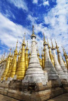 Free Shwe Inn Tain Pagoda Stock Photo - 25802550
