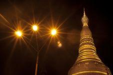 Free Shwedagon Pagoda Stock Photo - 25802570
