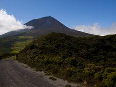 Free Pico Mountain, Azores Royalty Free Stock Photo - 25805075