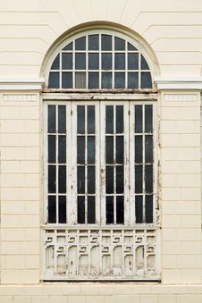 Free Classic Window Royalty Free Stock Photography - 25833627