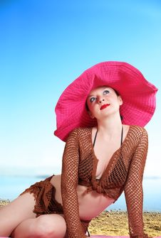 Free Cute Girl In A Big Red Hat  Sea Stock Photography - 25837212