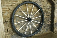 Free Vintage Wagon Wheel Royalty Free Stock Photos - 25847198