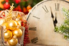 Free Golden Christmas Balls Royalty Free Stock Image - 25860826