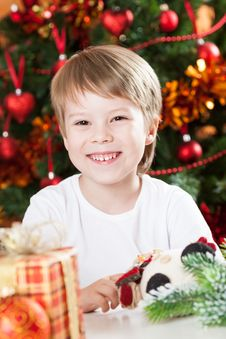 Happy Smiling Kid In Christmas Royalty Free Stock Photos
