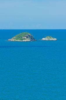 Free Island On Sea Royalty Free Stock Photos - 25871248