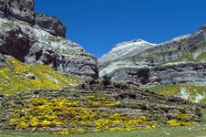 Free Pyrenees Mountains In Spain Royalty Free Stock Photos - 25879218