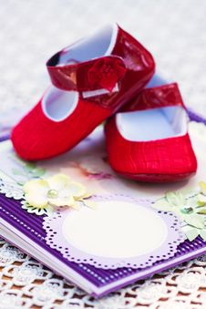 Free Notebook With Shoes Royalty Free Stock Photos - 25882818