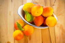 Free Fresh Apricots Royalty Free Stock Image - 25893806