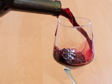 Free Red Wine Flowing Royalty Free Stock Photo - 2591295