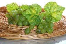 Free Grape Cluster With Leave Stock Photo - 2593210