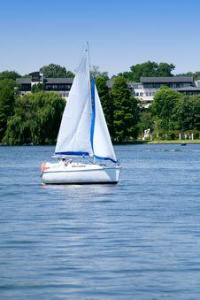 Free Lake Sailing Stock Images - 2594274