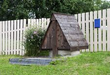 Free Wooden Village Well Stock Photo - 25910400