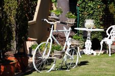 Free Decorative White Bicycle With Plants Royalty Free Stock Photos - 25922298