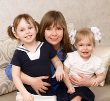Free Mother With Two Daughters Royalty Free Stock Photography - 25928367