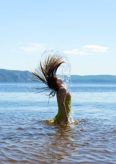 Free Playing With Water Royalty Free Stock Images - 25931589