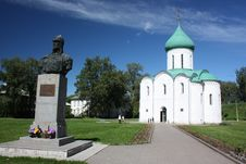 Free Savior Transfiguration Cathedral And The Monument Royalty Free Stock Images - 25943909