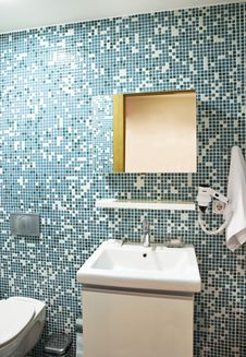 Free Bathroom Interior Royalty Free Stock Photos - 25944488