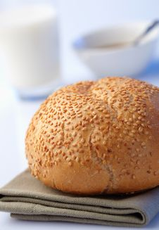 Free Loaf With Sesame Royalty Free Stock Photography - 25945707