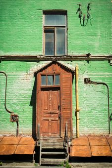 Free Old House In Kyiv Stock Photo - 25947920