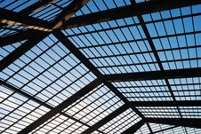 Free Roof Structure Royalty Free Stock Photo - 25952115
