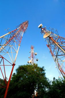 Free Telecommunication Tower Royalty Free Stock Photo - 25952205