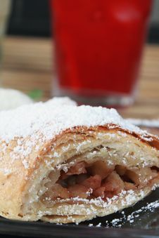 Free Apple Strudel Stock Photo - 25953660
