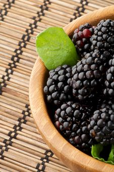 Free Perfect Blackberries In Wooden Bowl Stock Photo - 25962490