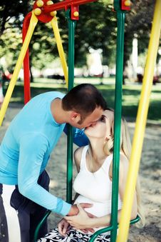 Free Kiss Parents Royalty Free Stock Photo - 25963555