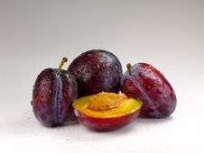 Free Fresh Plums Royalty Free Stock Photo - 25968195