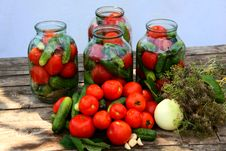 Free Pickling Of Vegetables Royalty Free Stock Images - 25968989